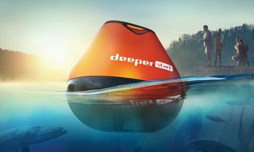 Эхолот Deeper Start на поверхности воды